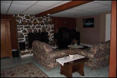 Salon du bas et foyer